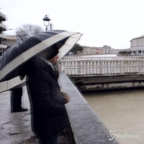 Maltempo, incubo alluvione a Senigallia: chiuse scuole e ...