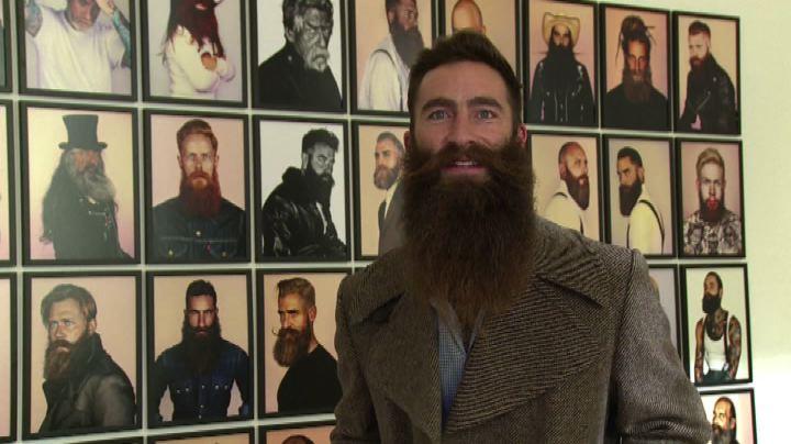 Londra, mostra dedicata ai barbuti contro il cancro alla ...