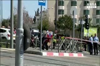 Attacco a Gerusalemme, auto piomba su folla