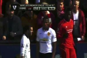Liverpool-Manchester Utd: Balotelli trattenuto dai tifosi