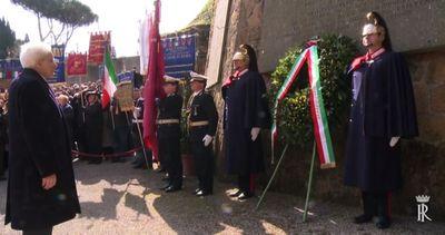 Omaggio di Mattarella alle Fosse Ardeatine, 71 anni fa la ...