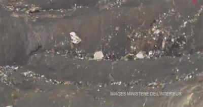 Germanwings 4U9525: pilota bloccato fuori cabina
