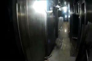 Entra nella Concordia e gira un video sui ponti della ...