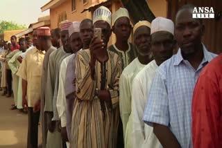 La Nigeria colpisce i Boko Haram alla vigilia del voto