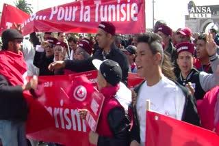 La marcia di Tunisi, migliaia contro il terrorismo