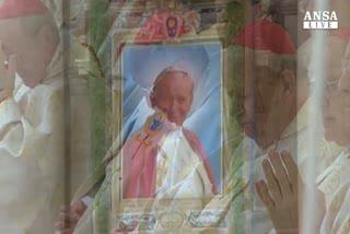 Wojtyla: 10 anni morte, acclamato 'santo subito'