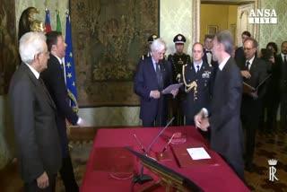 Renzi a giorni decide sottosegretario, Def in Cdm