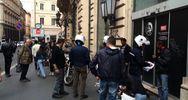 Blitz anti venditori abusivi a pochi passi da Palazzo Chigi ...