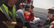 Palermo, bimba somala di 3 mesi salvata dalla Guardia ...