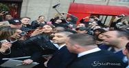 Assalto delle fan impazzite a Zayn Malik a Londra
