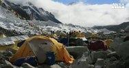Strage di alpinisti sull'Everest, paura per italiani