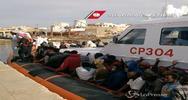 Arrivati a Lampedusa 220 migranti soccorsi dalla guardia ...