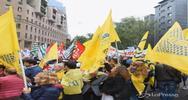 Scuola, a Milano insegnanti e studenti insieme contro la ...