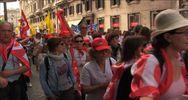 """Sciopero scuola, migliaia in corteo a Roma: """"Riforma ma non ..."""