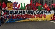 Corteo della scuola a Milano, sindacati: siamo 30mila