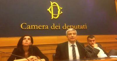Vendola: la mia sinistra è masochista ma quella di Renzi è sadica