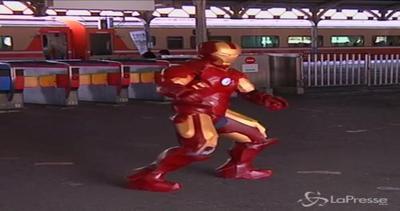 Iron Man esiste e balla per le strade di Taiwan