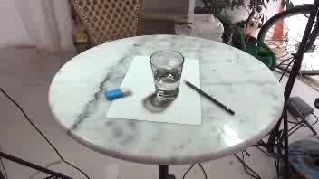Bicchiere vero? E' solo un disegno