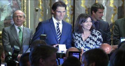 Rafael Nadal riceve la medaglia Grand Vermeil a Parigi