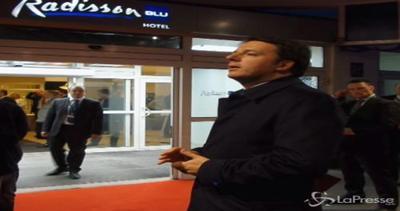 Lettonia, Renzi ritorna in hotel dopo il vertice: saluta ...