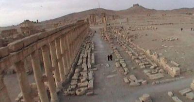 Siria, lo spettacolo di Palmira vista dal cielo prima ...