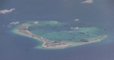 Cina, aereo Usa sorvola le isole artificiali nel Mar Cinese ...