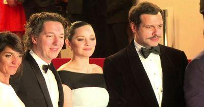 A Cannes Tim Roth e Marion Cotillard sul red carpet