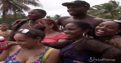 Hip-hop, alcol e agenti di polizia: al via a Miami 'Urban ...