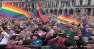 Irlanda dice sì alle nozze gay. Premier Kenny: Momento ...