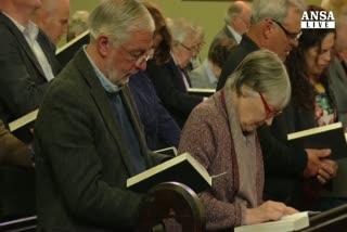 Chiesa irlandese 'riconosce' il si' a nozze gay