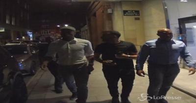 Drogba, Fabregas e Courtois del Chelsea al nightclub: paparazzi stiano lontani