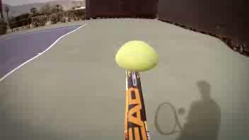 Il mago della racchetta sorprende il campione Djokovic