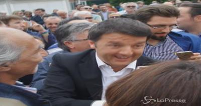 Bagno di folla per Renzi a La Spezia: spunta anche il ...