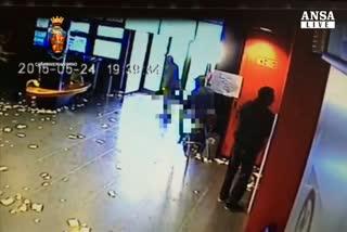 Getta acido sul volto di una donna, arrestato a Livorno     ...