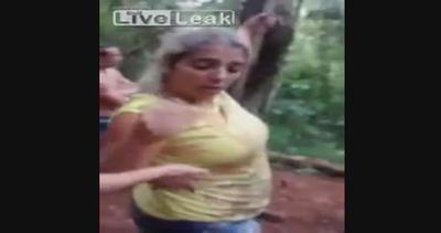 Aspirante Jane si lancia con una liana ma cade nel ...