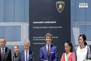 Suv Lamborghini resta in Italia, 500 posti di lavoro