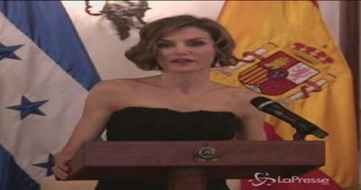 La regina Letizia di Spagna in visita in Honduras: ...