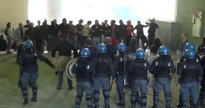 Salvini a Genova: scontri tra antagonisti e polizia
