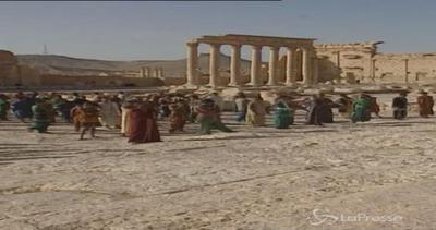 Isis, diffuso filmato girato a Palmira: nessun segno di ...