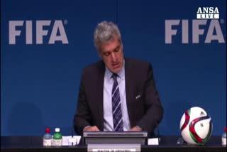 Scandalo Fifa, Blatter non lascia incarico