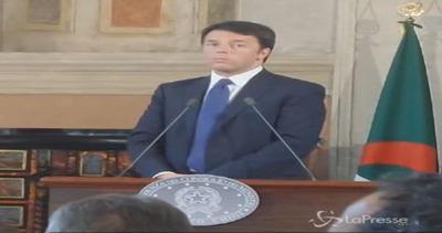 Primo ministro algerino parla arabo senza traduzione: le ...