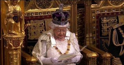 Gb, la regina annuncia referendum sull'Ue entro il 2017 ...