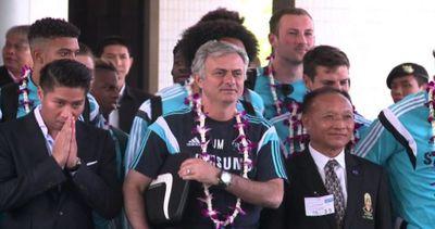 Il Chelsea in Thailandia, accoglienza da star per Mourinho  ...