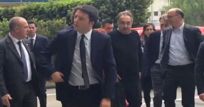"""Renzi attacca Berlusconi: """"Lavoro non si crea nei ..."""