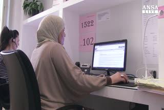 Fatima, la voce che risponde al 1522 in arabo