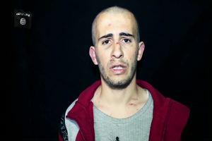 Video shock Isis, prigioniero costretto scavarsi fossa: poi ...