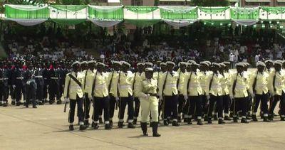 Nigeria in festa, il nuovo presidente Buhari ha giurato     ...