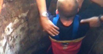 Due bimbi cadono in un pozzo durante festa: carabiniere li ...