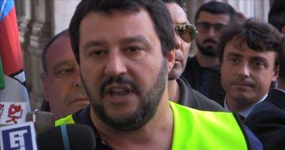 Salvini: poliziotti alla mercé di delinquenti, no a reato tortura