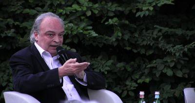 Enrique Vila-Matas: la finzione strada per una diversa ...